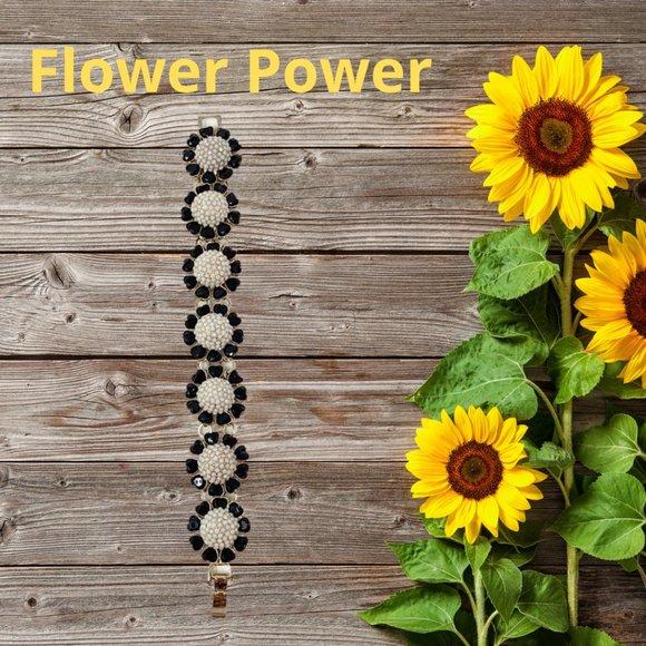 Talbots Black & White Flower Bracelet